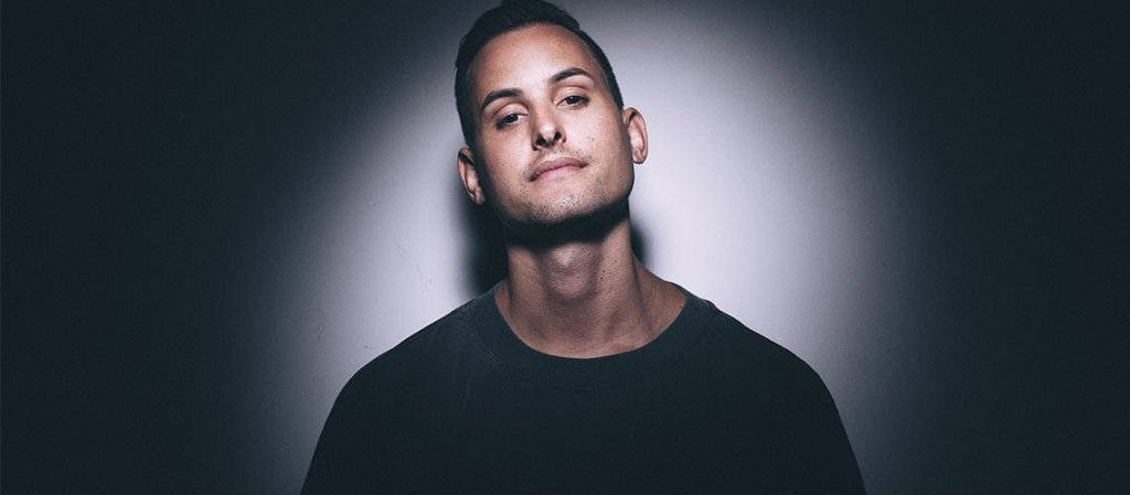 Makj Brings the fire on SKINK